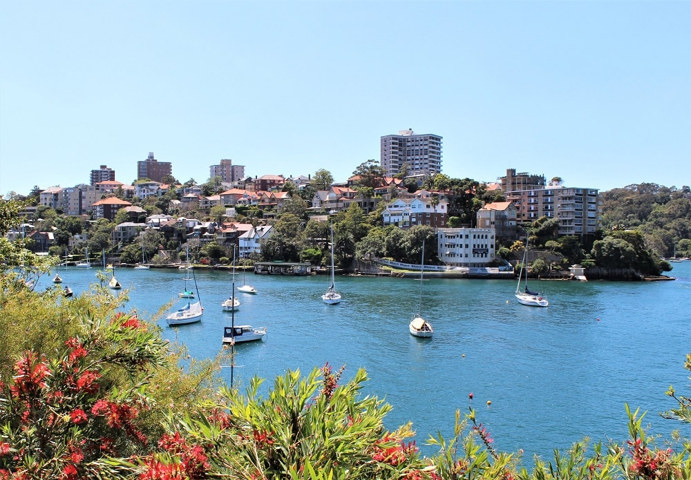 Moving to Sydney? A guide on where to live in Sydney by a house sitter who's lived in over 15 Sydney suburbs.