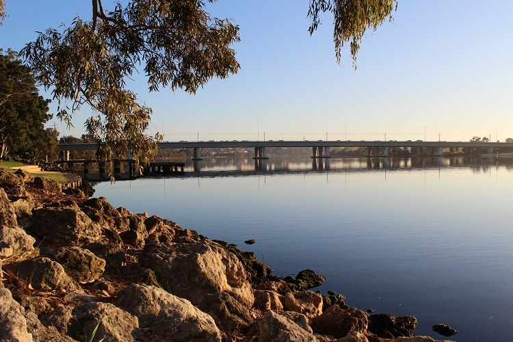 Beautiful short sunrise walk in East Perth, Western Australia.