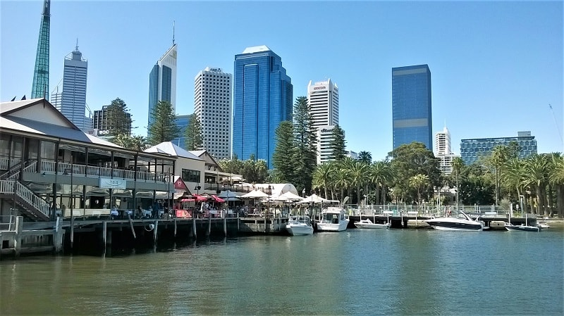 Find out 15 things to do in Perth, Australia. Includes the best Perth beaches, where to spot dolphins and kangaroos, day trips from Perth, where to eat and drink and the best sunrise and sunset spots.
