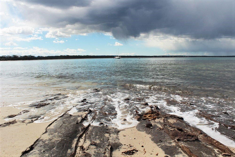 how to get to hyams beach from sydney