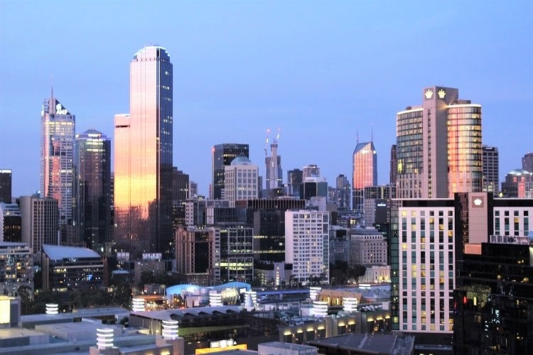 Discover 15 things to do in Melbourne, Australia's most cosmopolitan city. Includes beaches, shopping, day trips, cafes and other Melbourne attractions.