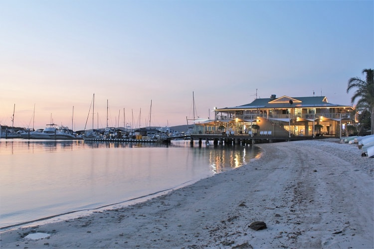 Discover the top Port Stephens attractions & activities, including beaches, walks, Nelson Bay, sand dunes & things to do in this beautiful NSW holiday area.
