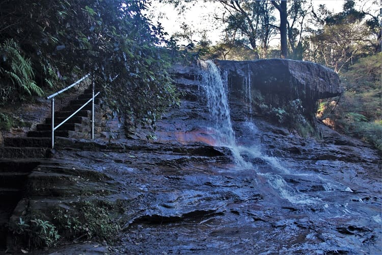 Weeping Rock on the Charles Darwin Walk, Wentworth Falls.