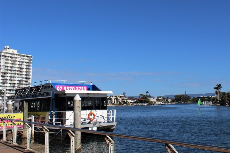 Surfers Paradise River Cruises - a cheap activity on a 3-day itinerary.