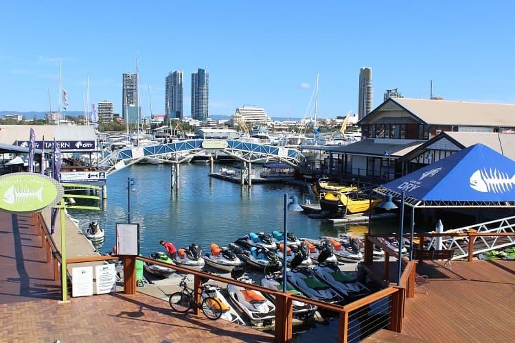 Mariners Cove at Main Beach - riverside tavern at the Gold Coast.