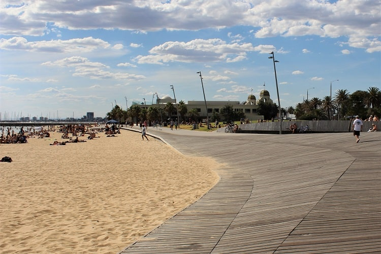 St Kilda Beach in Melbourne - guide for those thinking of moving to Melbourne.