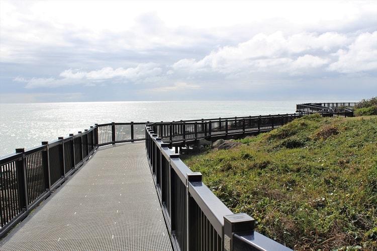 Horseshoe Bay boardwalk and caravan park, Point Briner.
