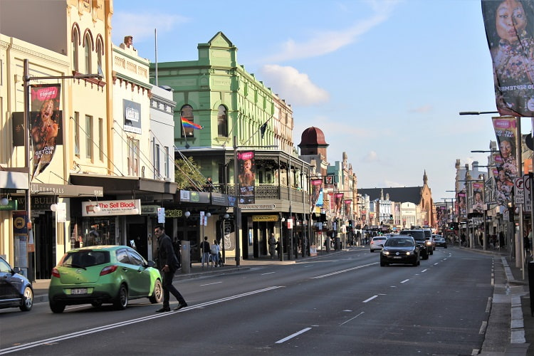 Quirky King Street in Newtown, Sydney. One of the best Sydney suburbs for singles.