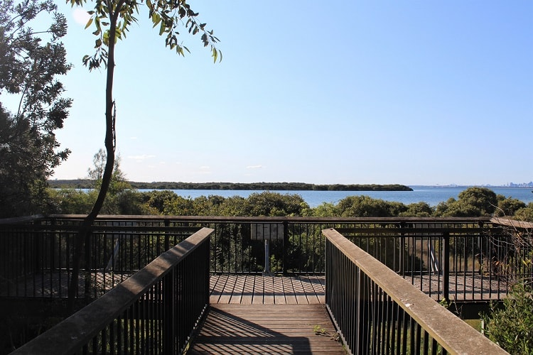 Quibray Bay viewing platform in Towra Point Reserve, Kurnell.