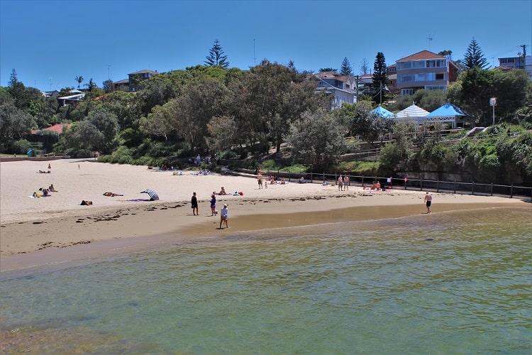 Pretty Clovelly Beach on a sunny day in Sydney.