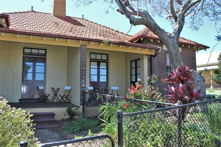 Cockatoo Island Garden Apartment accommodation, Sydney.