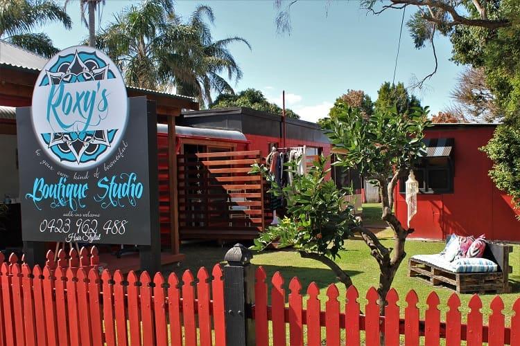 Roxy's Boutique Studio outdoor hair salon in Gladstone NSW!